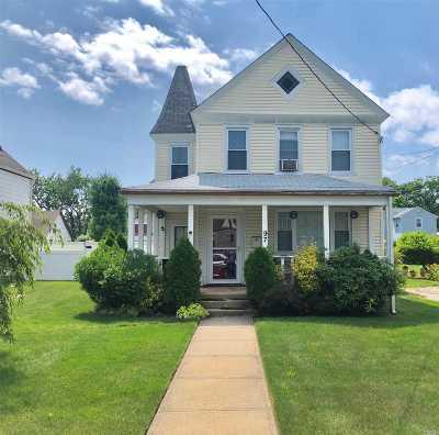 Freeport Single Family Home For Sale: 97 N Bergen Pl