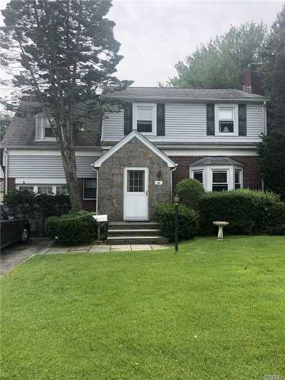 Valley Stream Single Family Home For Sale: 30 Linden Rd