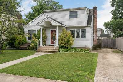 N. Bellmore Single Family Home For Sale: 113 McKinley Ave