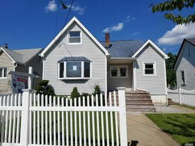 Freeport Single Family Home For Sale: 129 Westend Ave