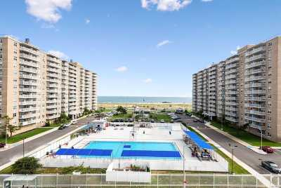 Queens County Condo/Townhouse For Sale: 7914 Rockaway Beach Blvd #6L