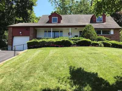 Huntington Single Family Home For Sale: 18 Warrenton Ct