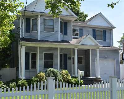 Islip Single Family Home For Sale: 49 Union Ave