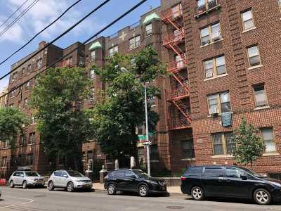 Elmhurst Condo/Townhouse For Sale: 40-35 Ithaca St #2E