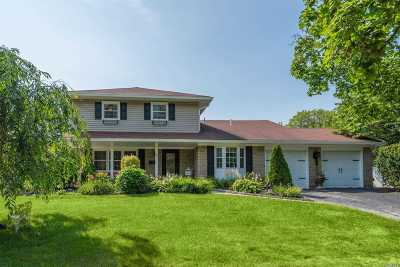 Smithtown Single Family Home For Sale: 118 Fifty Acres Rd