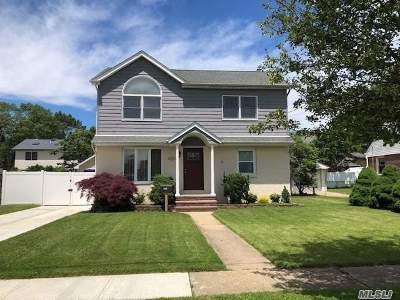 East Meadow Single Family Home For Sale: 1537 Sidney Pl