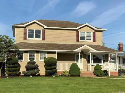 Wantagh Single Family Home For Sale: 1066 McLean Ave