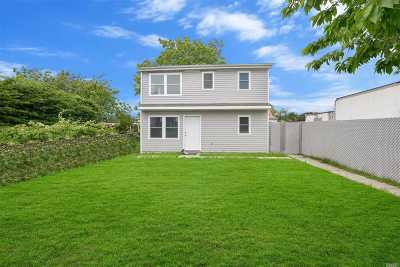 Copiague Single Family Home For Sale: 28 Beach Ave