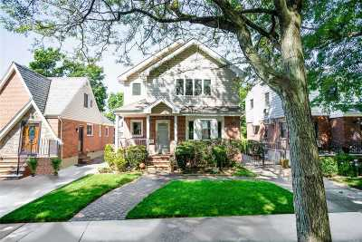 Fresh Meadows Single Family Home For Sale: 73-48 187 St