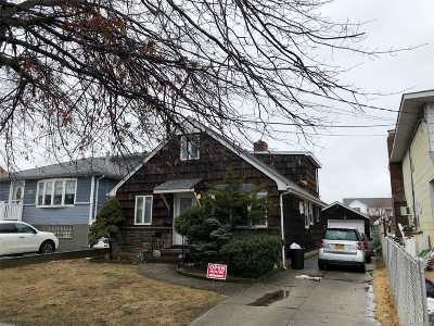 Wantagh Single Family Home For Sale: 2382 Beverly Rd