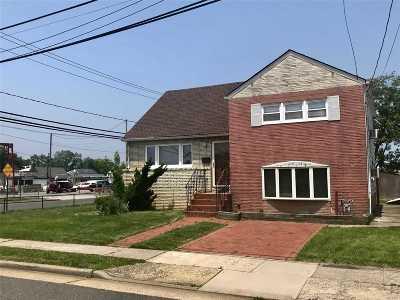 Freeport Single Family Home For Sale: 4 Layton St