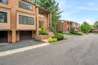 North Hills Condo/Townhouse For Sale: 60 Windsor Gate Dr