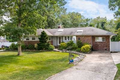 N. Massapequa Single Family Home For Sale: 54 West Dr