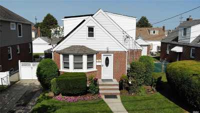 Franklin Square Single Family Home For Sale: 24 Semton Blvd