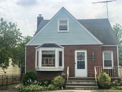W. Hempstead Single Family Home For Sale: 255 Parker Ave