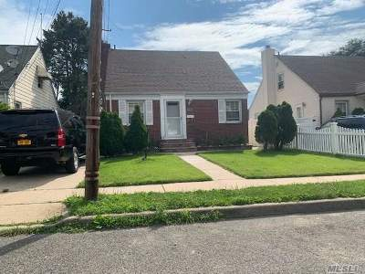 Uniondale Single Family Home For Sale: 303 Locust Ave
