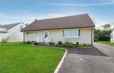 N. Bellmore Single Family Home For Sale: 1113 Huckleberry Rd