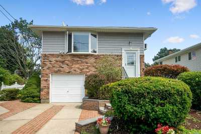 Dix Hills Single Family Home For Sale: 26 Dickens Ave