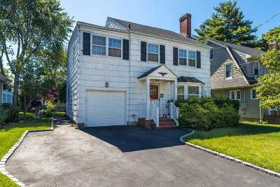 Rockville Centre Single Family Home For Sale: 151 Vernon Ave