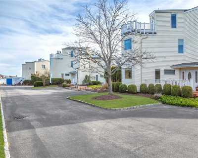 Westhampton Condo/Townhouse For Sale: 8 Apaucuck Point Rd