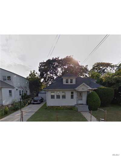 Hempstead Single Family Home For Sale: 3 Blemton Pl
