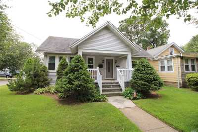 Baldwin Single Family Home For Sale: 470 Baldwin Ave