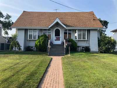 Oceanside Single Family Home For Sale: 80 Montgomery Ave