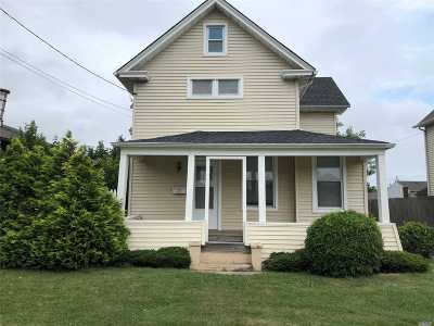 Bay Shore Single Family Home For Sale: 65 5th Ave