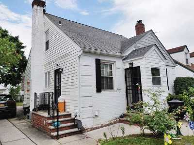 Flushing Single Family Home For Sale: 4617 196th St