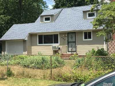 Central Islip Single Family Home For Sale: 465 Clift St