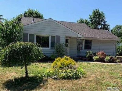 Selden Single Family Home For Sale: 18 Ruland Rd