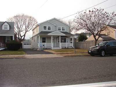 Oceanside Single Family Home For Sale: 2518 Rockville Centre Pkwy
