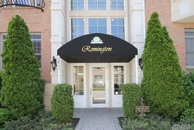 Westbury Condo/Townhouse For Sale: 415 Pacing Way #4-202F