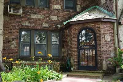 Rego Park Single Family Home For Sale: 8864 62nd Dr