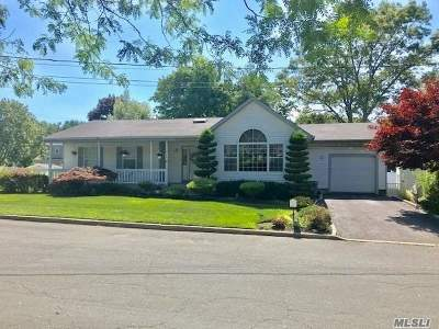 Nesconset Single Family Home For Sale: 20 Knollcrest Rd