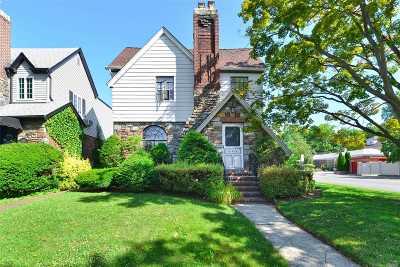 Bayside NY Single Family Home For Sale: $1,230,000