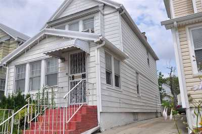 Queens Village Single Family Home For Sale: 9043 Francis Lewis Blvd