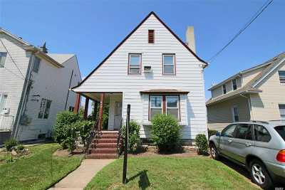 Cedarhurst Single Family Home For Sale: 506 Lincoln St