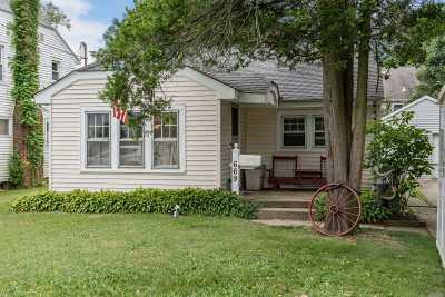 Merrick Single Family Home For Sale: 669 Merrick Ave