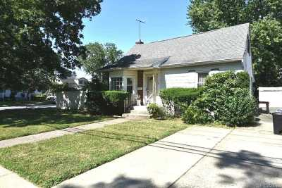 Bethpage Single Family Home For Sale: 501 Broadway