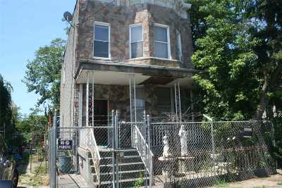 Brooklyn Multi Family Home For Sale: 816 Barbey St