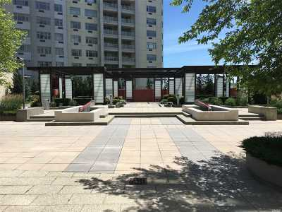 Queens County Condo/Townhouse For Sale: 4026 College Point Blvd #8K