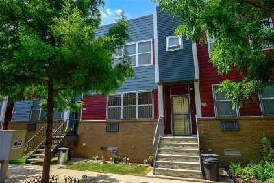 Brooklyn Single Family Home For Sale: 593 Schroeders Ave