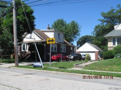 Valley Stream Single Family Home For Sale: 122 Boden Ave