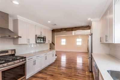 Single Family Home For Sale: 2 Thixton Ave
