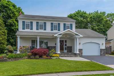 Syosset Single Family Home For Sale: 21 Doone Dr
