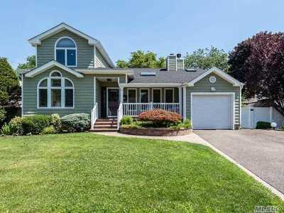 Syosset Single Family Home For Sale: 37 Elderberry Rd