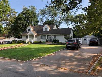 Huntington Single Family Home For Sale: 48 Brand Dr