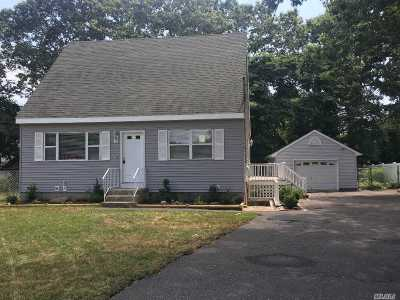 Shirley Single Family Home For Sale: 10 Tallwood Dr