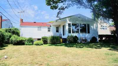 Valley Stream Single Family Home For Sale: 47 Southgate Rd